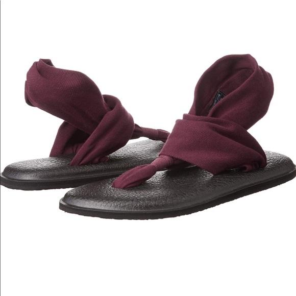 fb7e00b7213b Sanuk Women s Yoga Sling 2 Sandals - Burgundy